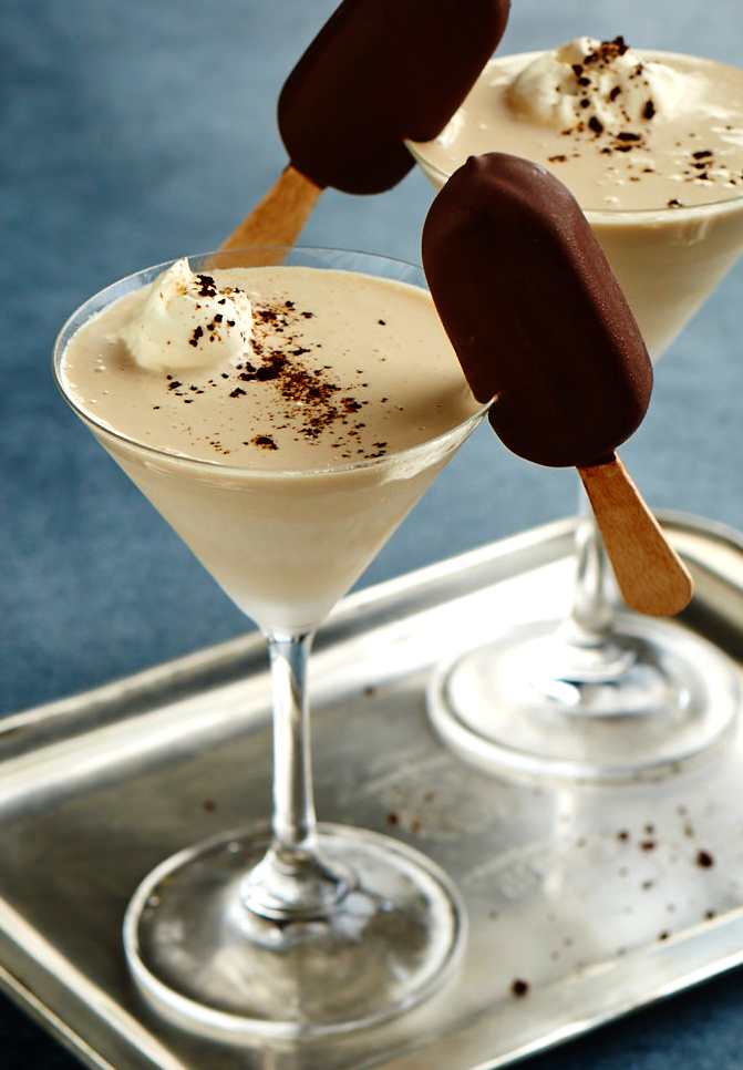 Frozen Baileys Frappatini, ice cream, beverage styling